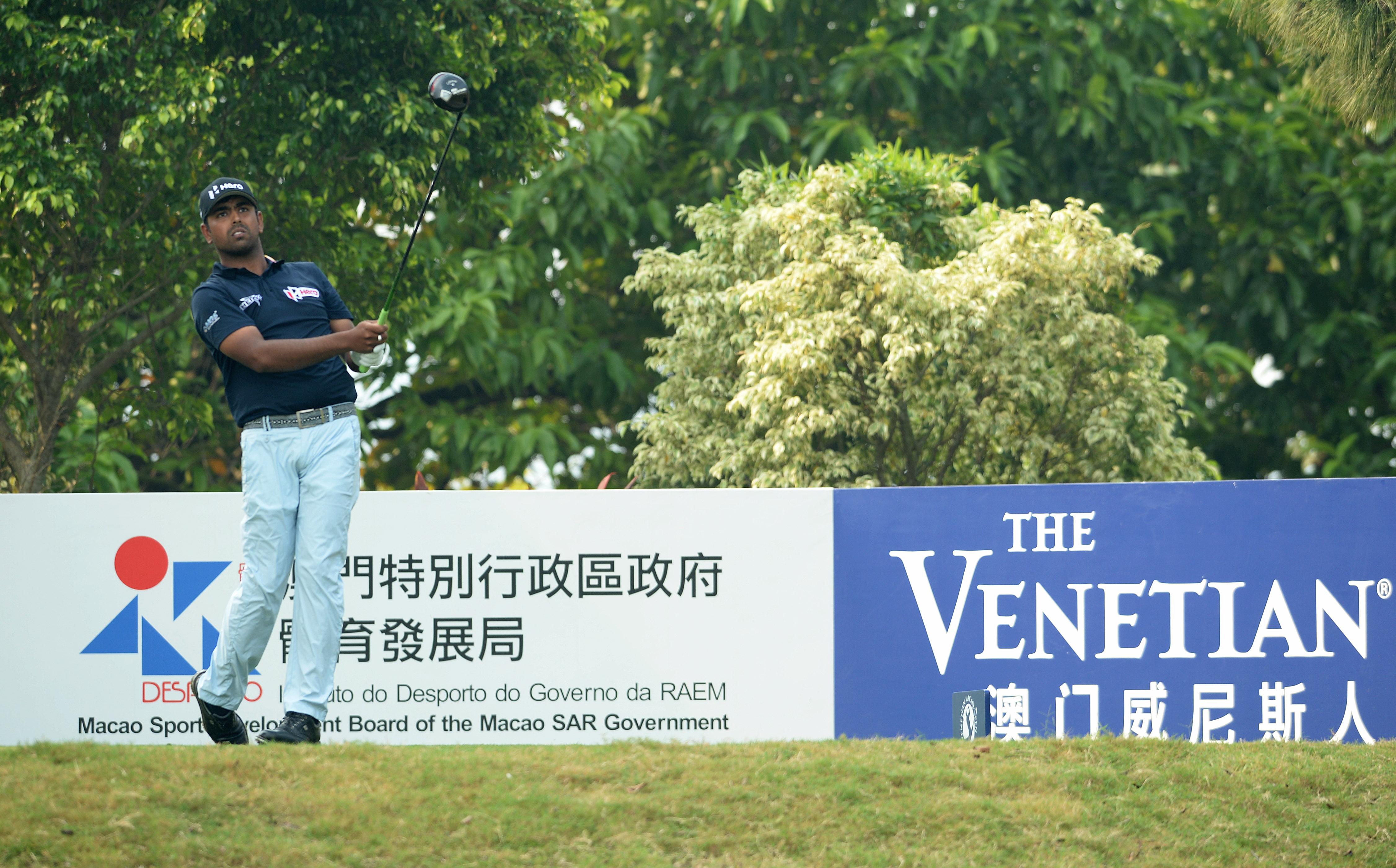 威尼斯人澳门高尔夫球公开赛次日赛事 球手奋力迎战争取决赛席位